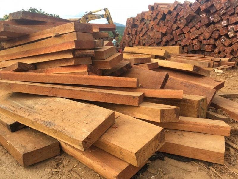 gỗ gõ bông lau thuộc nhóm mấy