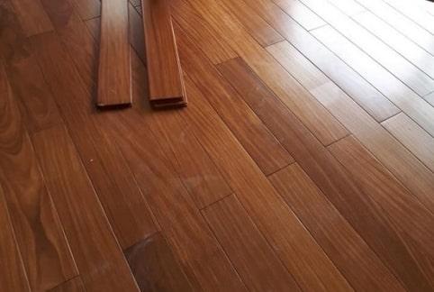 Sàn gỗ tự nhiên Gỗ Đỏ Nam Phi