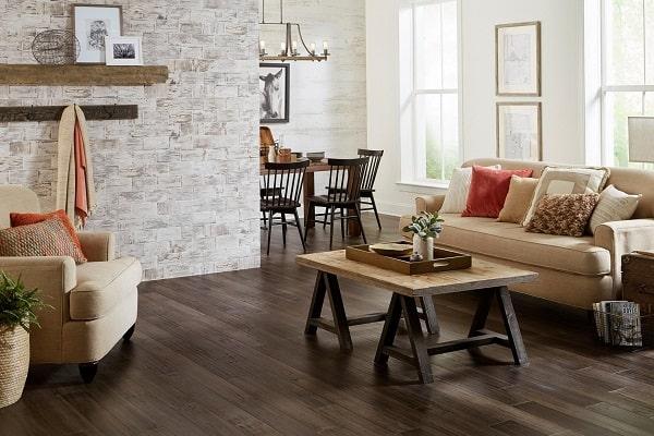 sàn gỗ nên sơn tường màu gì