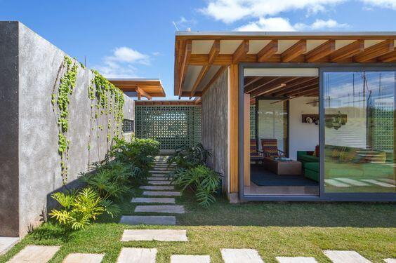 Nhà mái bằng 1 tầng 80m2 có sân vườn