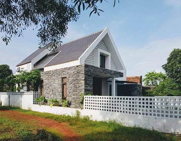Nhà 1,5 tầng ở nông thôn mái thái hiện đại
